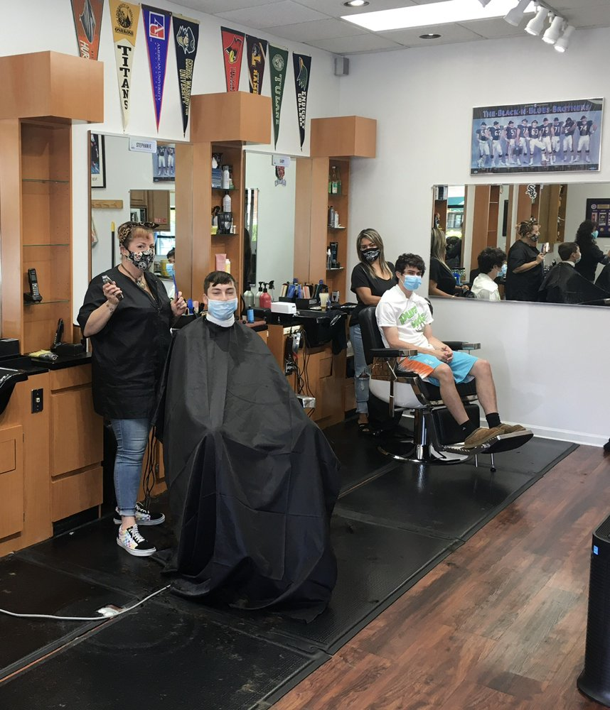 Otero Barber Shop: 750 Osterman Ave, Deerfield, IL