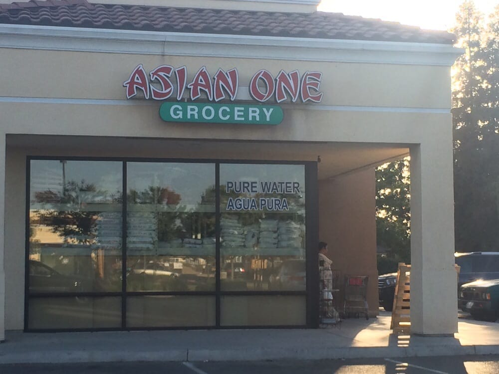 Asian one grocery 38 photos 12 reviews imported food for Asian cuisine fresno