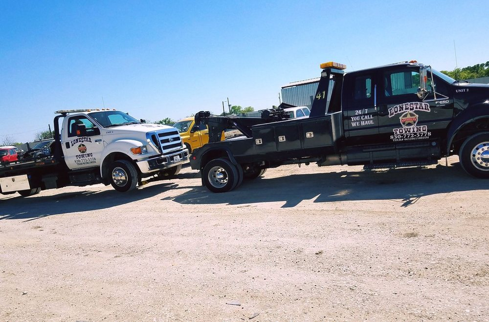 Towing business in Pearsall, TX