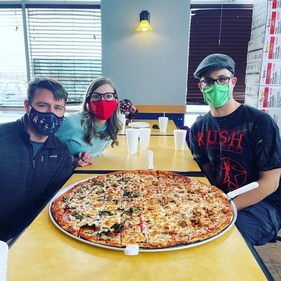 Hometowne Pizza: 212 Clydesdale Trl, Corcoran, MN
