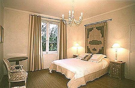 Maison d\'Hôtes du Greillon - Bed & Breakfast - 12 Montée Greillon ...
