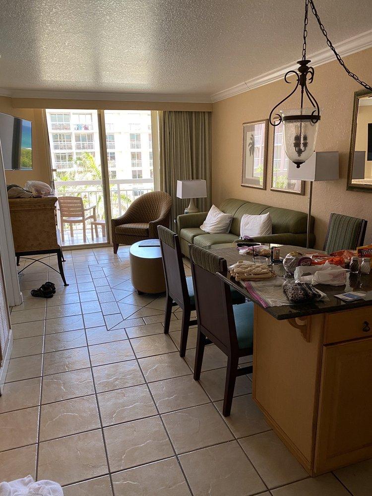 Palm Beach Shores Resort And Villas - Slideshow Image 3
