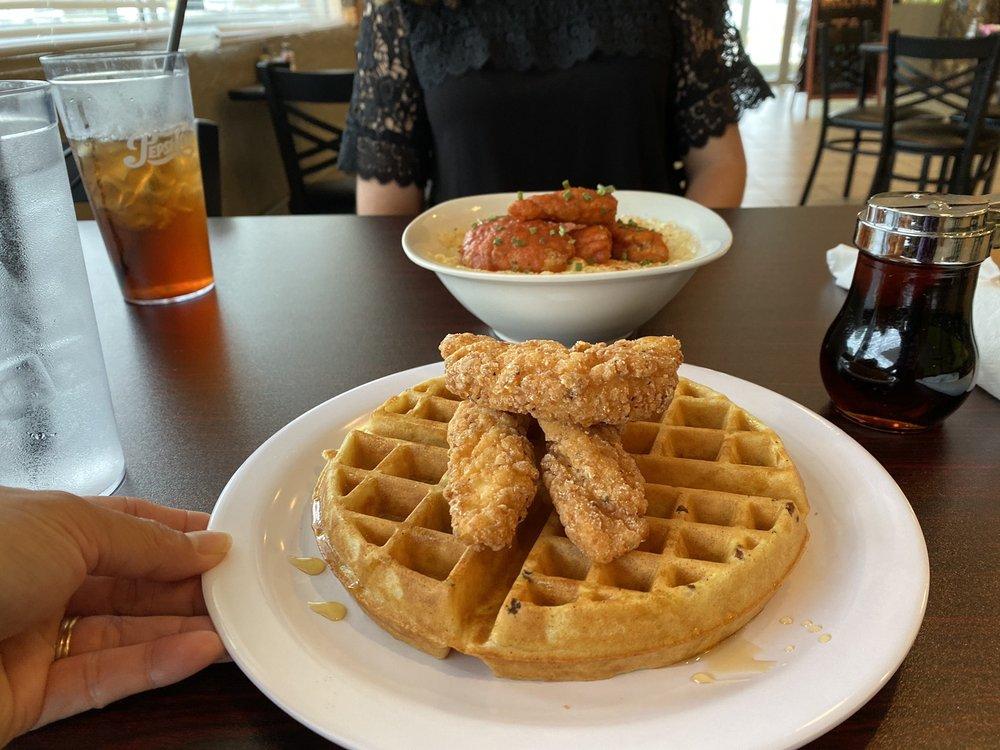Eat 23 Cafe: 2516 E 10th Street, Greenville, NC