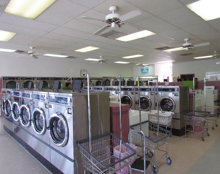 Grand Avenue Laundromat: 867 E Grand Ave, Carbondale, IL