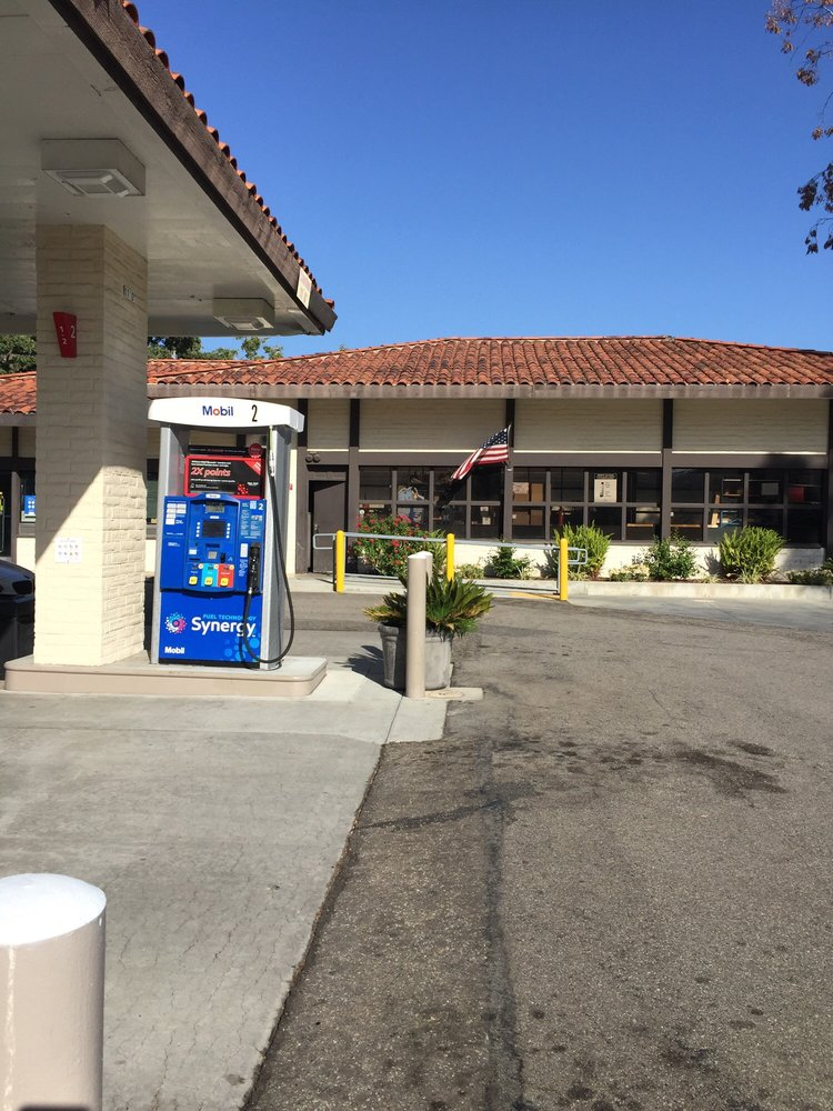 Westlake Mobil: 942 S Westlake Blvd, Westlake Village, CA