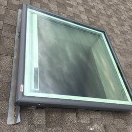 Superior skylights closed 31 photos solar for Velux solar powered blinds