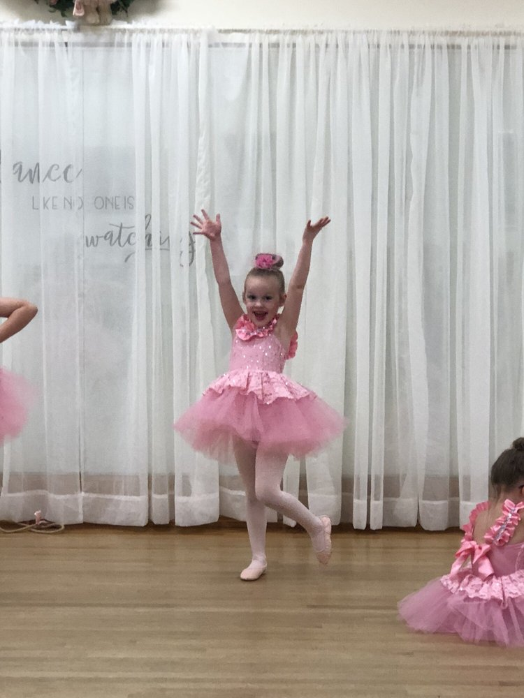 Greater Hartford Dance Academy: 278 Oakwood Dr, Glastonbury, CT