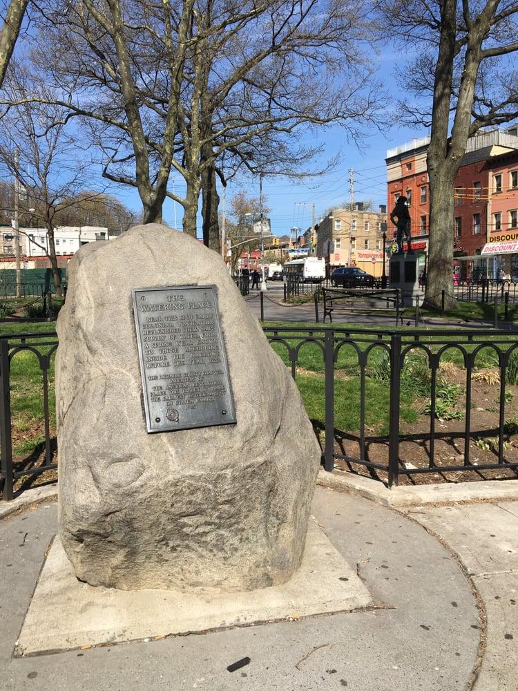 Tompkinsville Park: 26 Victory Blvd, Staten Island, NY