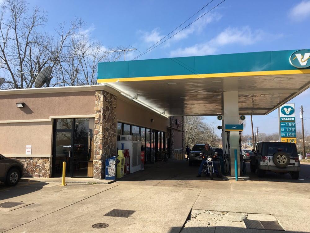 Metro: 410 E Pine St, Frankston, TX