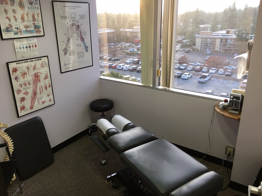 David Van, DC - Woodland Hills Chiropractor Care