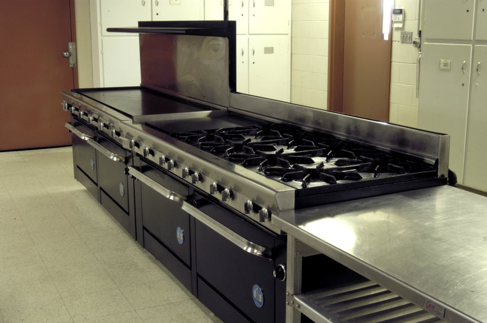 Commercial Grade Kitchen with Icemaker and Dishwasher - Yelp