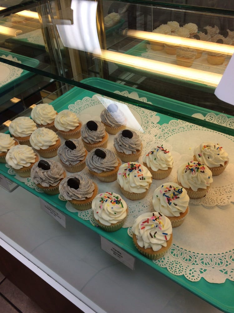 Sweet Confections Cafe & Bakery: 6401 N St Hwy 317, Temple, TX