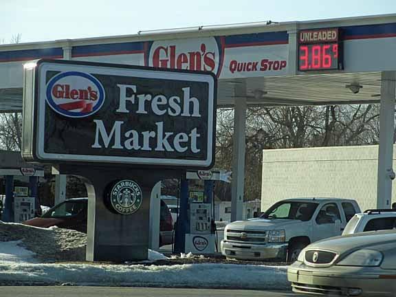 D&W Fresh Market: 1163 N US Hwy 31, Petoskey, MI