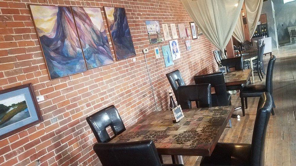 Heartland Tasting Room: 1669 Washington St, Blair, NE