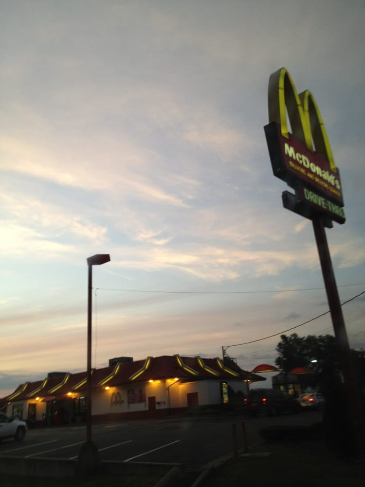 McDonald's: 100 Armory Dr, Russellville, KY
