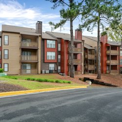 Promenade at Berkeley - 153 Photos - Apartments - 3750 Peachtree ...