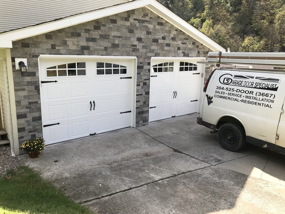 Garage Door Specialist Get Quote 11 Photos Garage Door