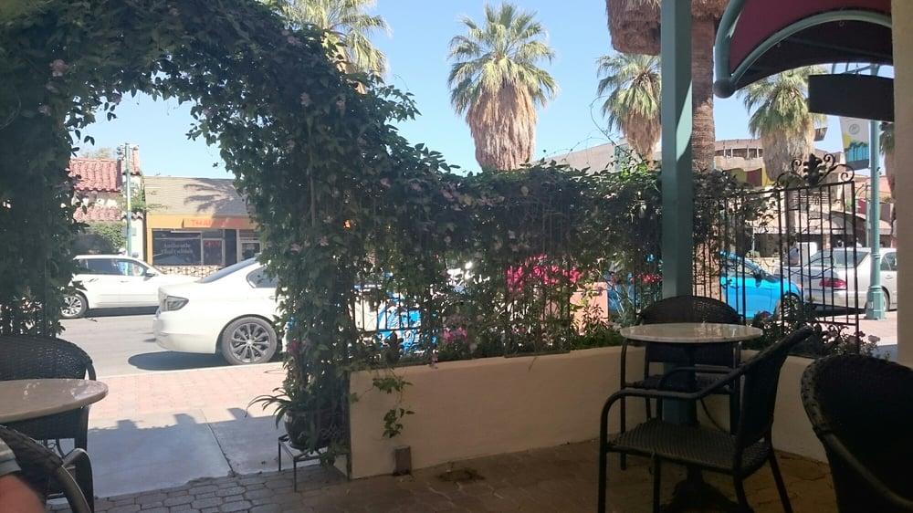 Joey palm springs cafe palm springs ca reviews for Plush pad palm springs