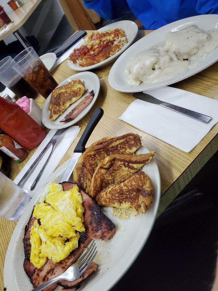 Tiffany's Restaurant: 101 S Main St, Noble, OK