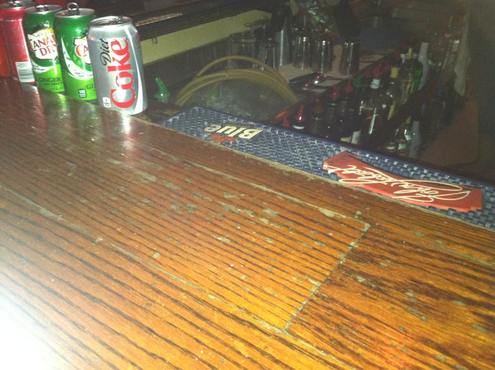 The Breakwall Tavern: 7855 Lakeshore Blvd, Mentor-on-the-Lake, OH