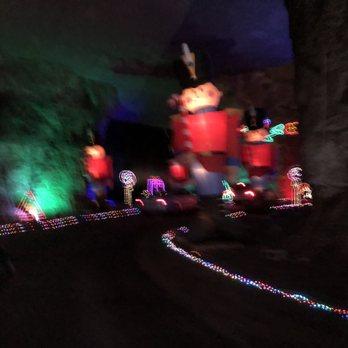 Mega Cavern Christmas Lights.Louisville Mega Cavern 439 Photos 375 Reviews Tours