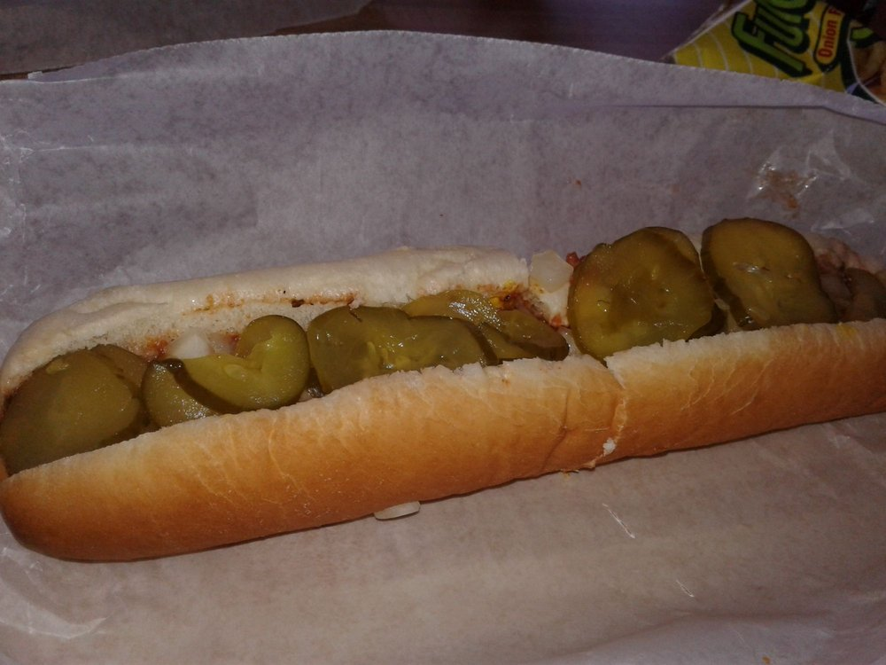 Remos Hotdogs: 241 2nd Ave, Gallipolis, OH