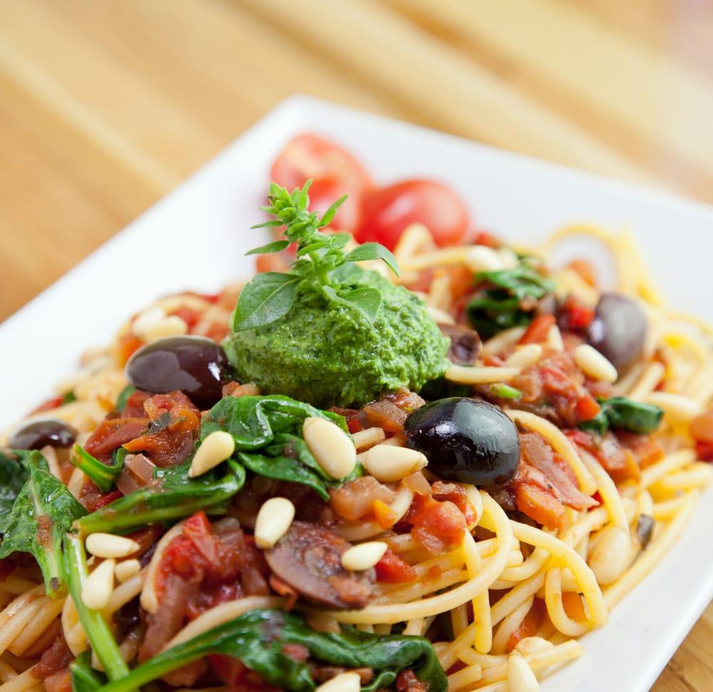 corn pasta w/marinara spinach, kalamata olives, basil pine nut