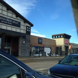 32db918ccaa Deerfoot Meadows Shopping Center - Shopping Centres - Heritage Meadows Way  SE