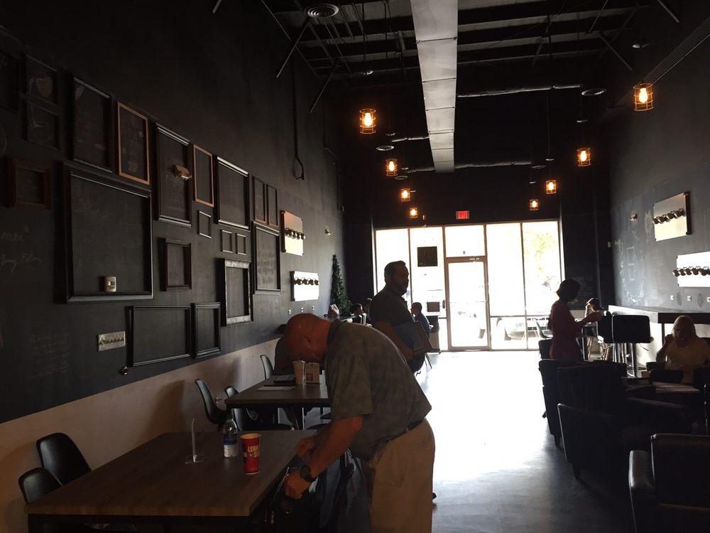 cafe mit buchladen innendesign bilder soul caffeine 36 fotos 25 beitrge coffee shop 2004