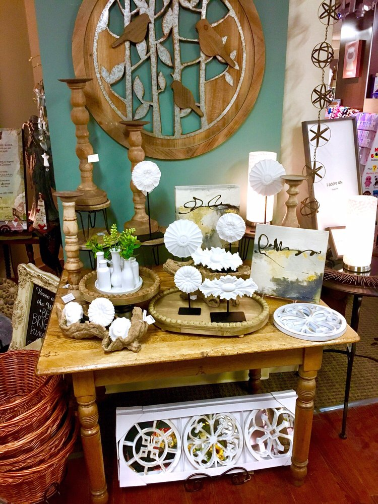 The Cottage Place Gift Shop: 615 N Michigan St, South Bend, IN