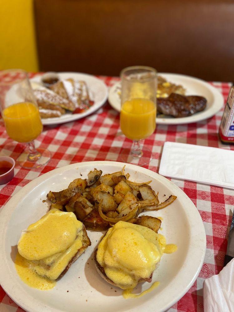 Joanna's Cafe: 17950 Van Buren Blvd, Riverside, CA