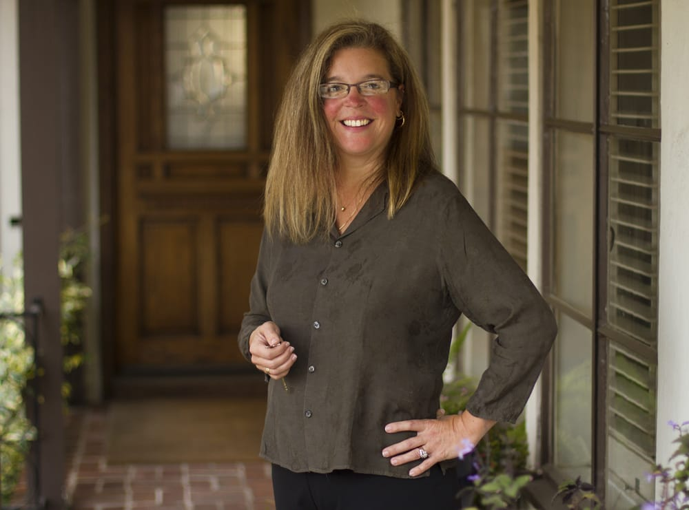 Amy Loughran - Compass Real Estate: 1414 Park Ave, Alameda, CA