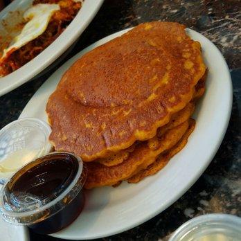 Mauri S Famous Cafe