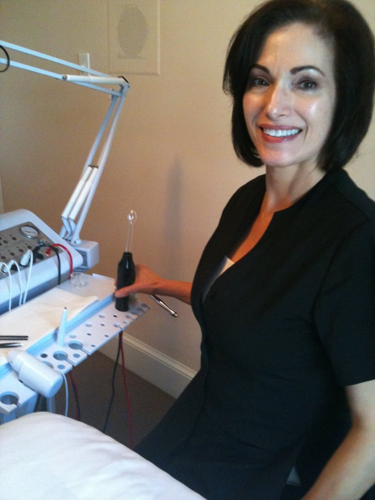 Facials By Pam: 23547 Evergreen Mills Rd, Aldie, VA