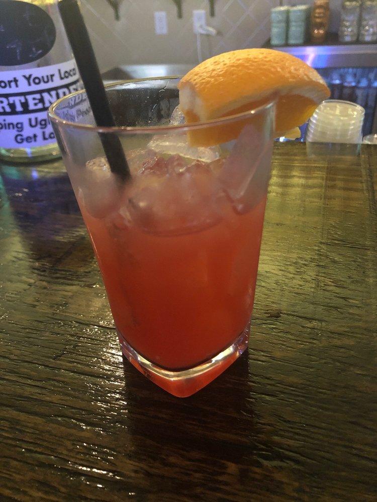 The Great Kanakas Atomic Tiki Bar: 601 5th St, Kemah, TX