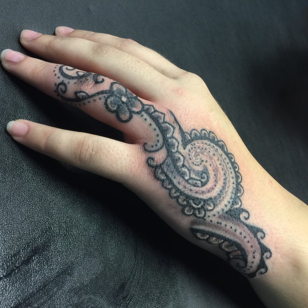 Ring Finger Cover Up Into A Henna Influenced Hand Tattoo Yelp
