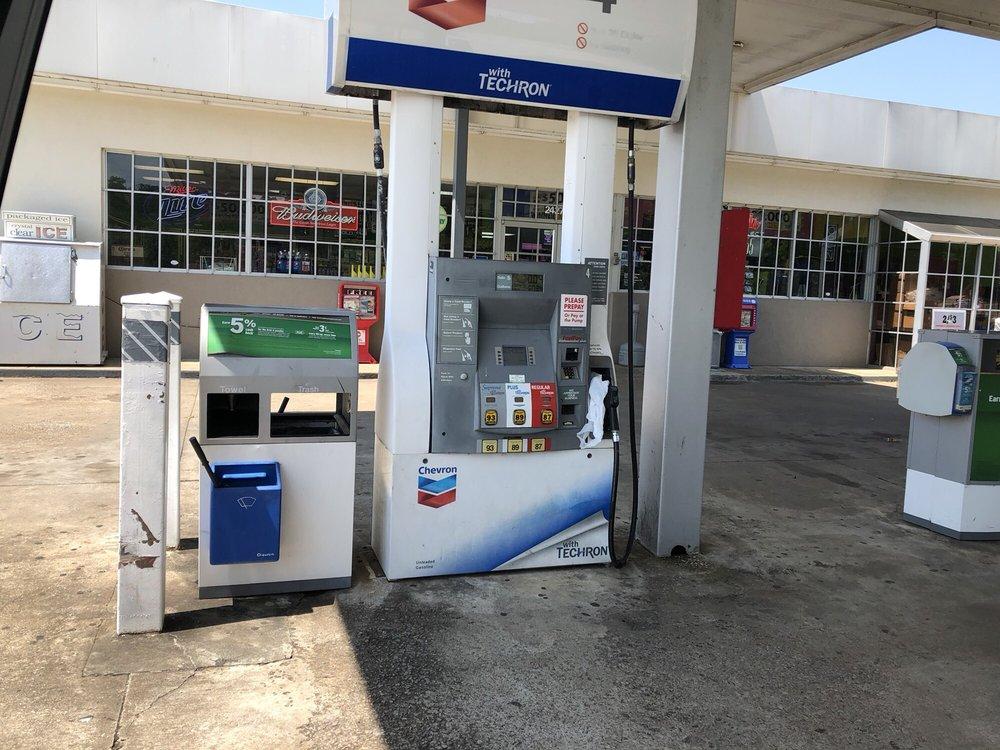 Ardmore Chevron: 24272 Main St, Ardmore, TN