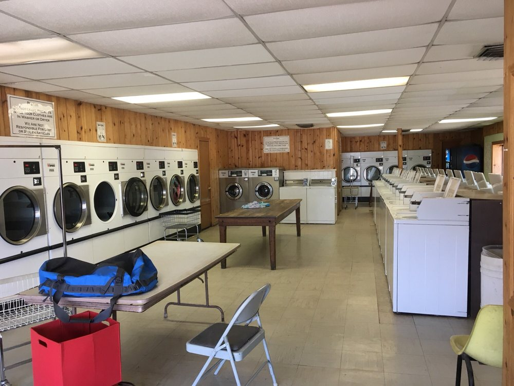 Kanab Laundromat and Car Wash: 206 E 300 S, Kanab, UT