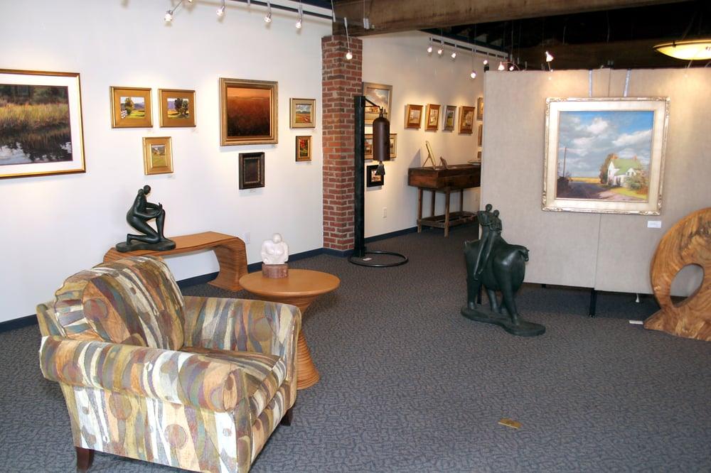 Bishop's Stock Fine Art, Craft & Wine: 202 W Green St, Snow Hill, MD