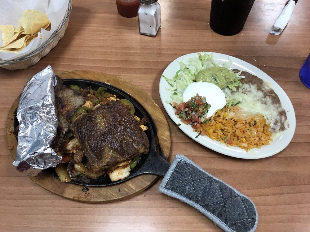 Playa Azul Authentic Mexican Restaurant: 2106 N 6th St, Beatrice, NE