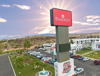 Ramada by Wyndham Kingman: 3100 East Andy Devine Ave, Kingman, AZ