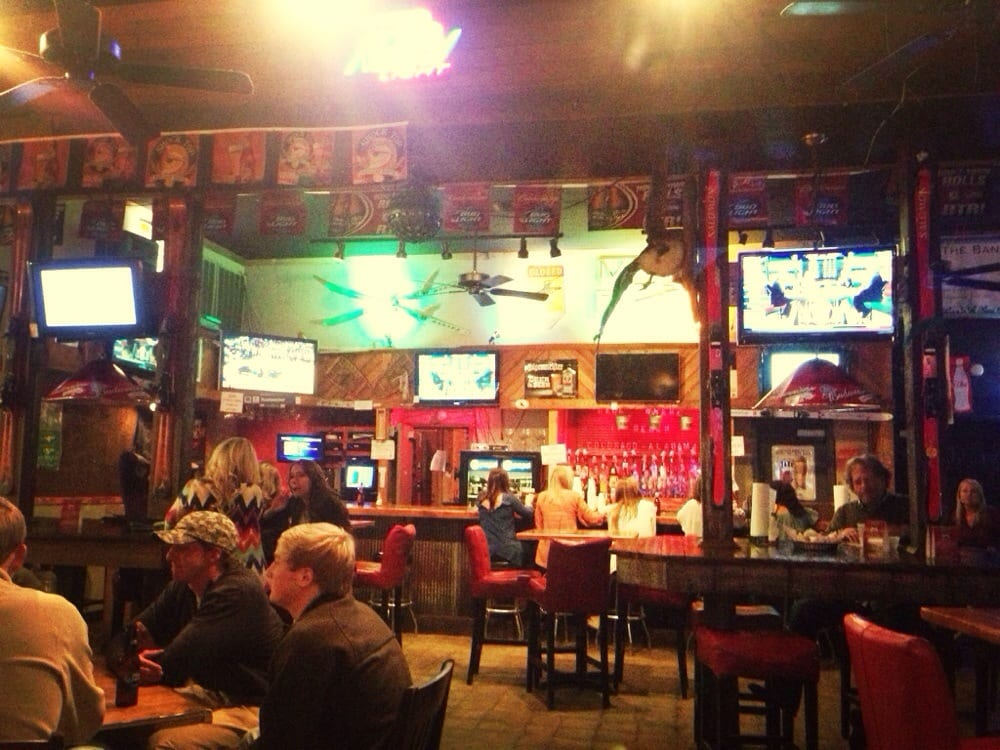 Moe s original bar b que 15 photos 28 reviews for Food bar tuscaloosa