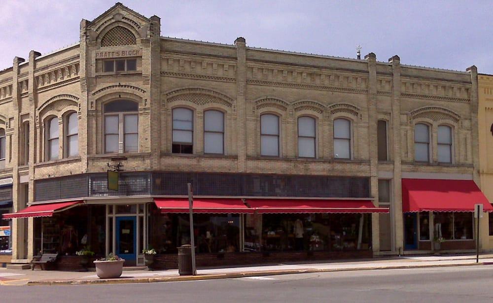 Hamilton's of Ripon: 200 Watson St, Ripon, WI