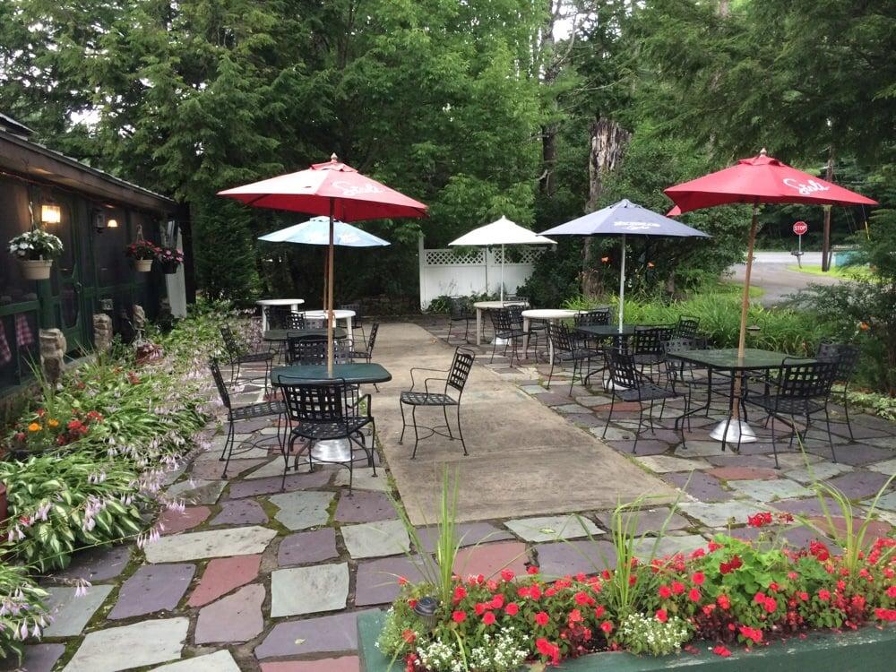 Ciro's Restaurant: 1439 Lake Ave, Lake Luzerne, NY