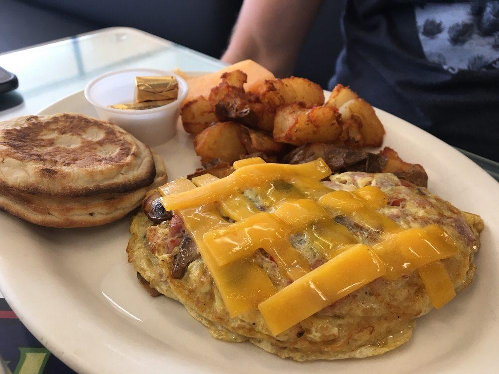 Morrell's Farm Fresh Dining: 225 McMurray Rd, Buellton, CA