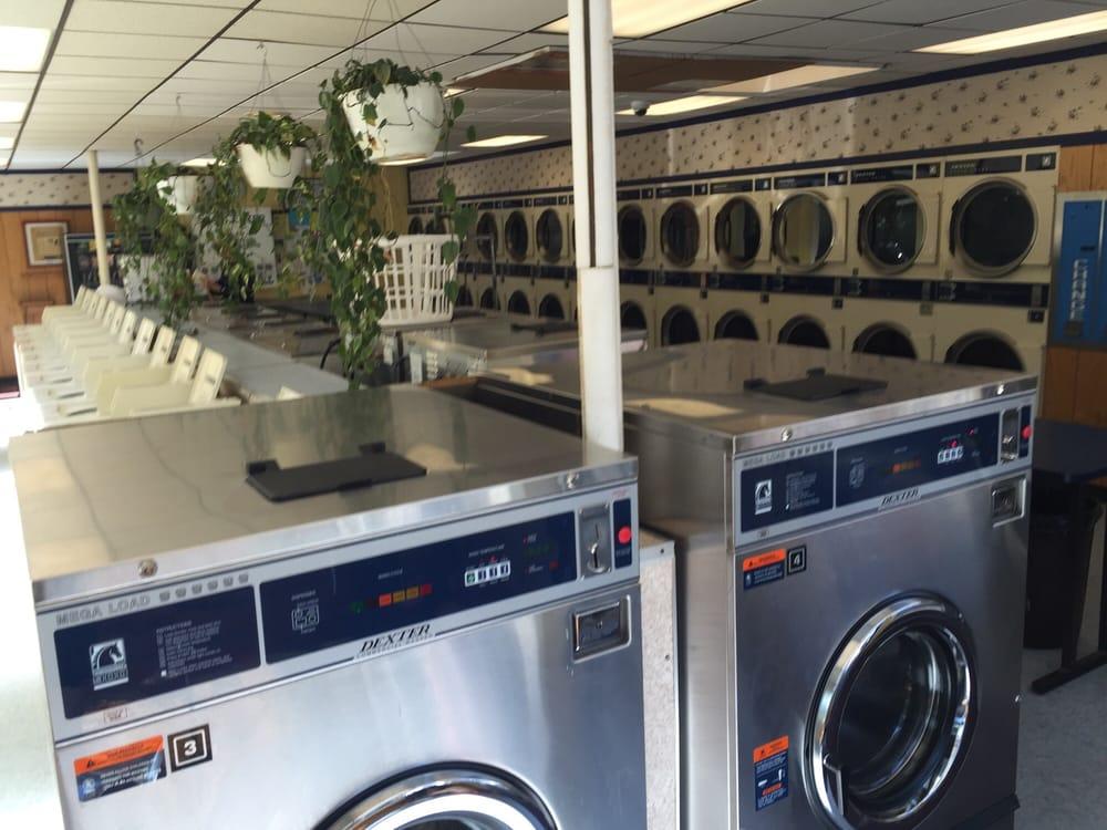 Fall Creek Laundromat: 1012 N Aurora St, Ithaca, NY