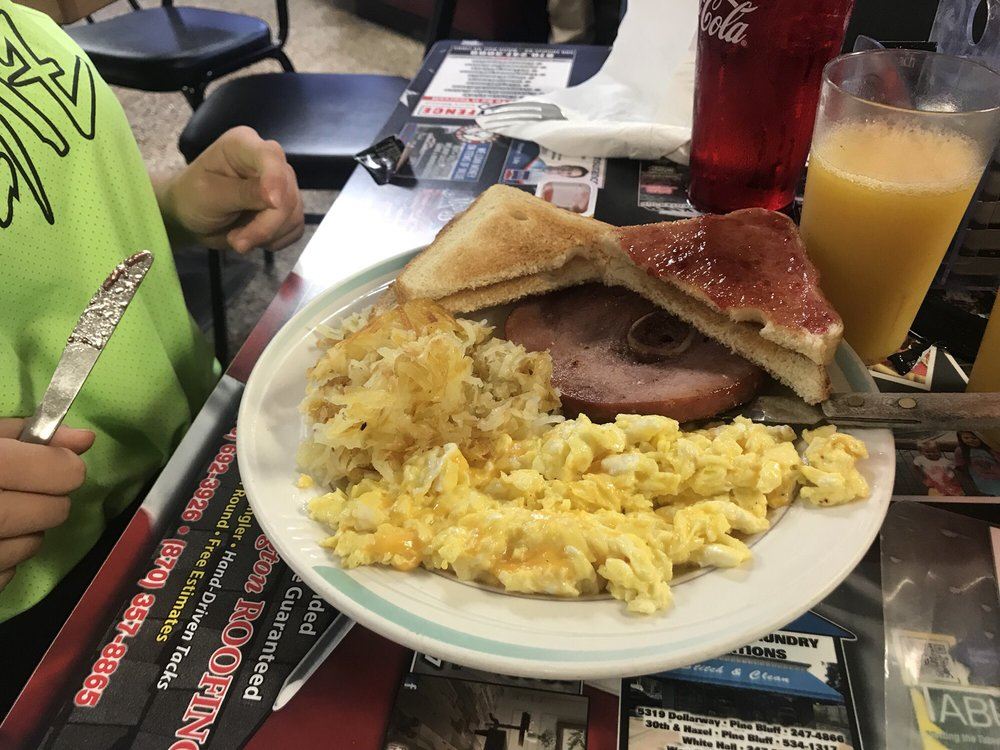 Country Kitchen: 4322 Dollarway Rd, White Hall, AR