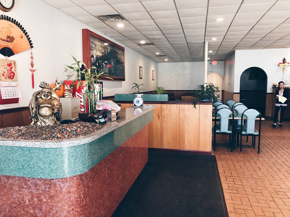 Metro Buffet: 405 1st Ave, Perry, IA