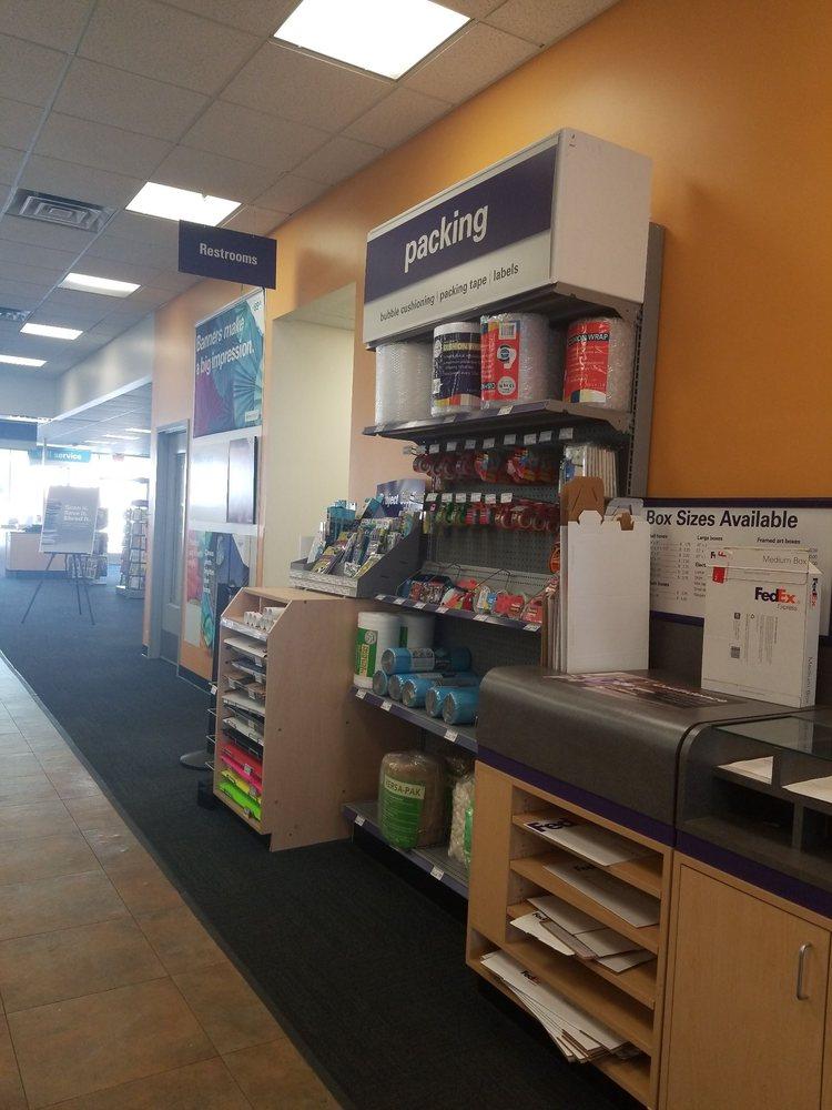 FedEx Office Print & Ship Center: 965 Moraga Rd, Lafayette, CA