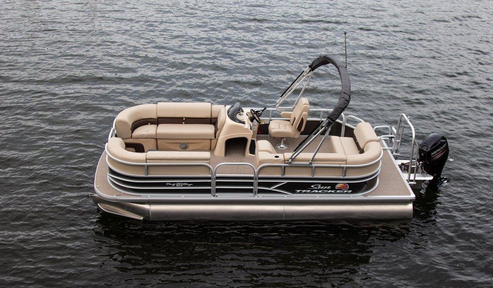 Modern Boat Rental: Chelan, WA